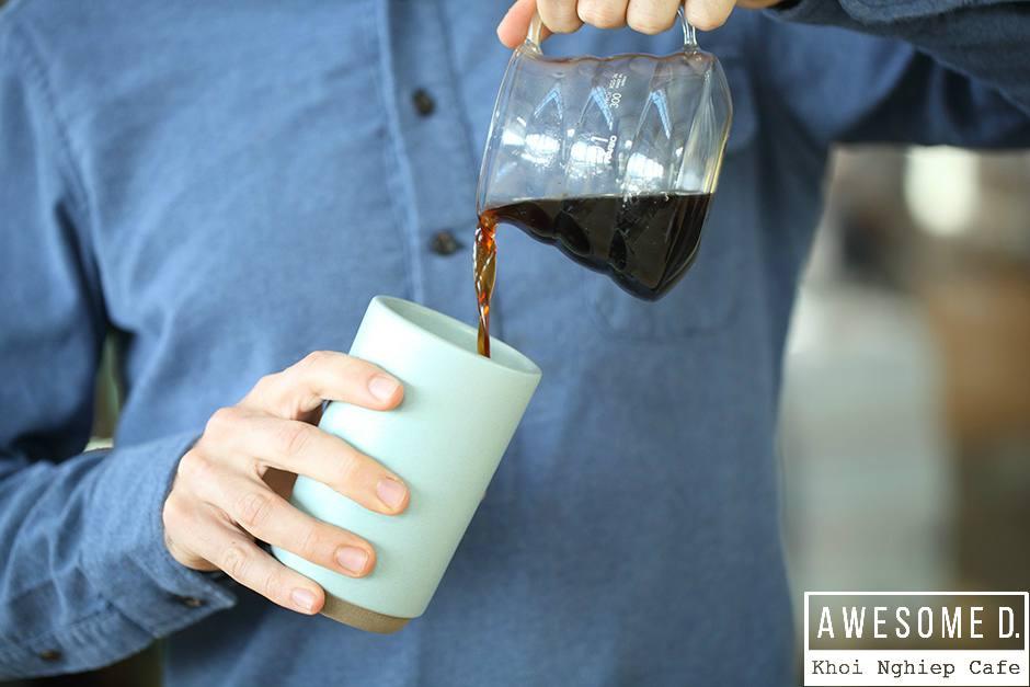 z[khoinghiepcafe.com] Pha cà phê bằng bình AeroPress 14b
