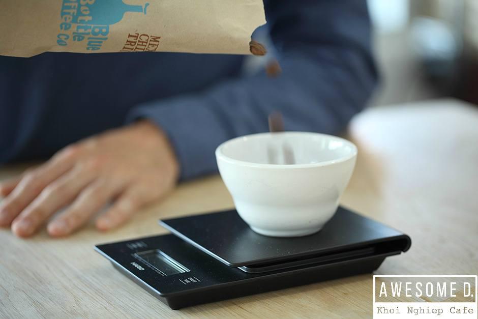 z[khoinghiepcafe.com] Pha cà phê bằng bình AeroPress 3