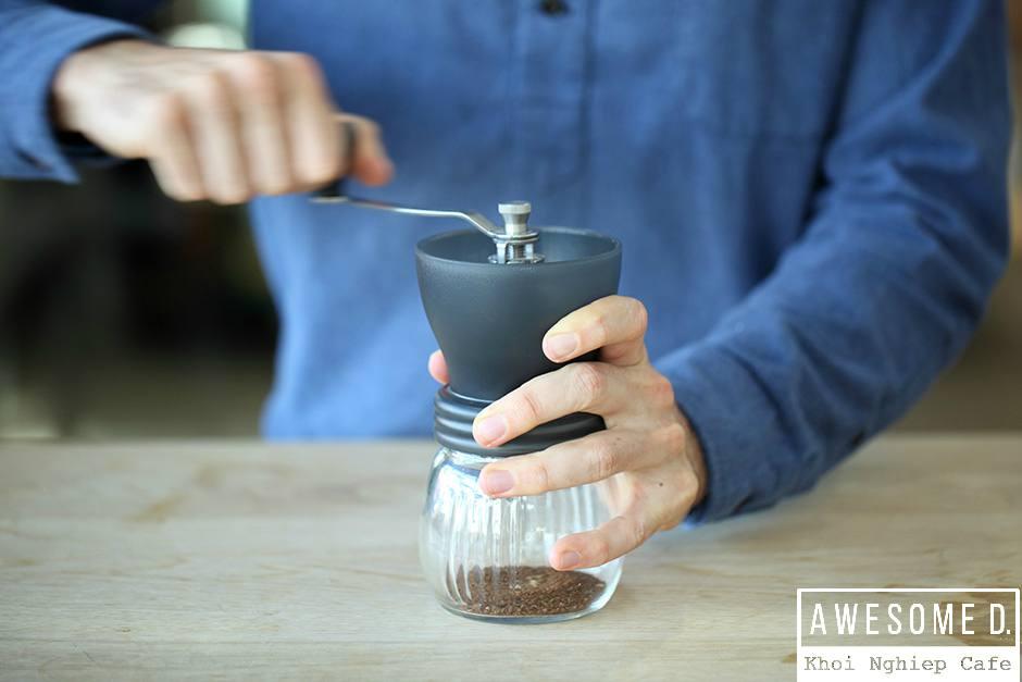 z[khoinghiepcafe.com] Pha cà phê bằng bình AeroPress 4