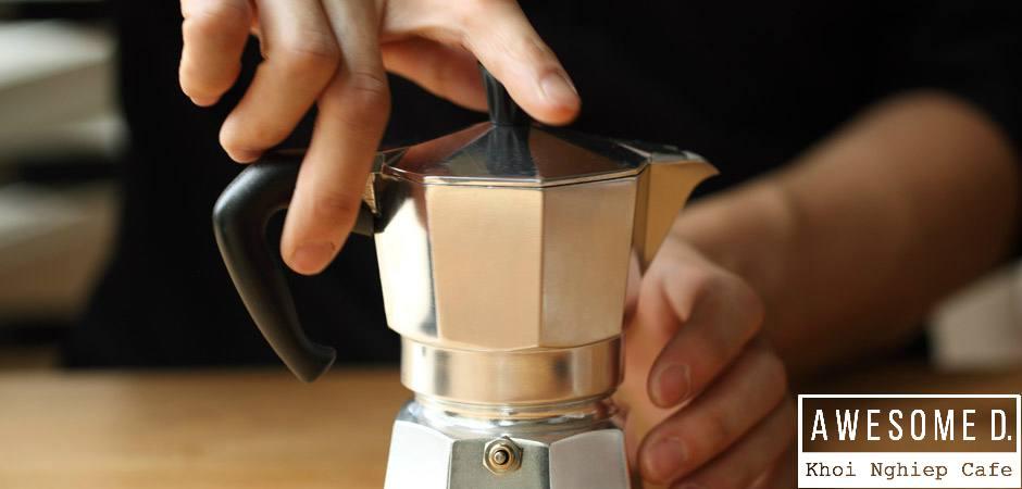 z[khoinghiepcafe.com] Pha cà phê bằng bình Moka 6