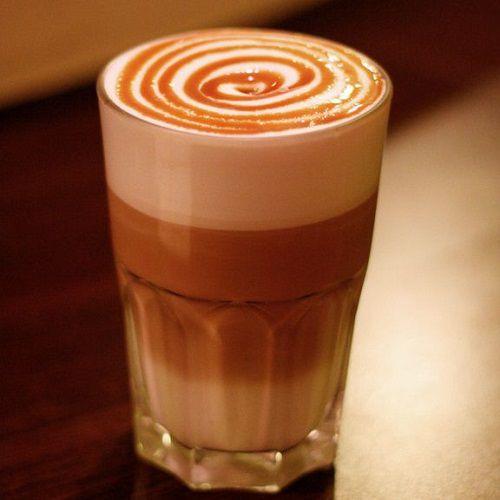 Cách pha cà phê Caramel Macchiato