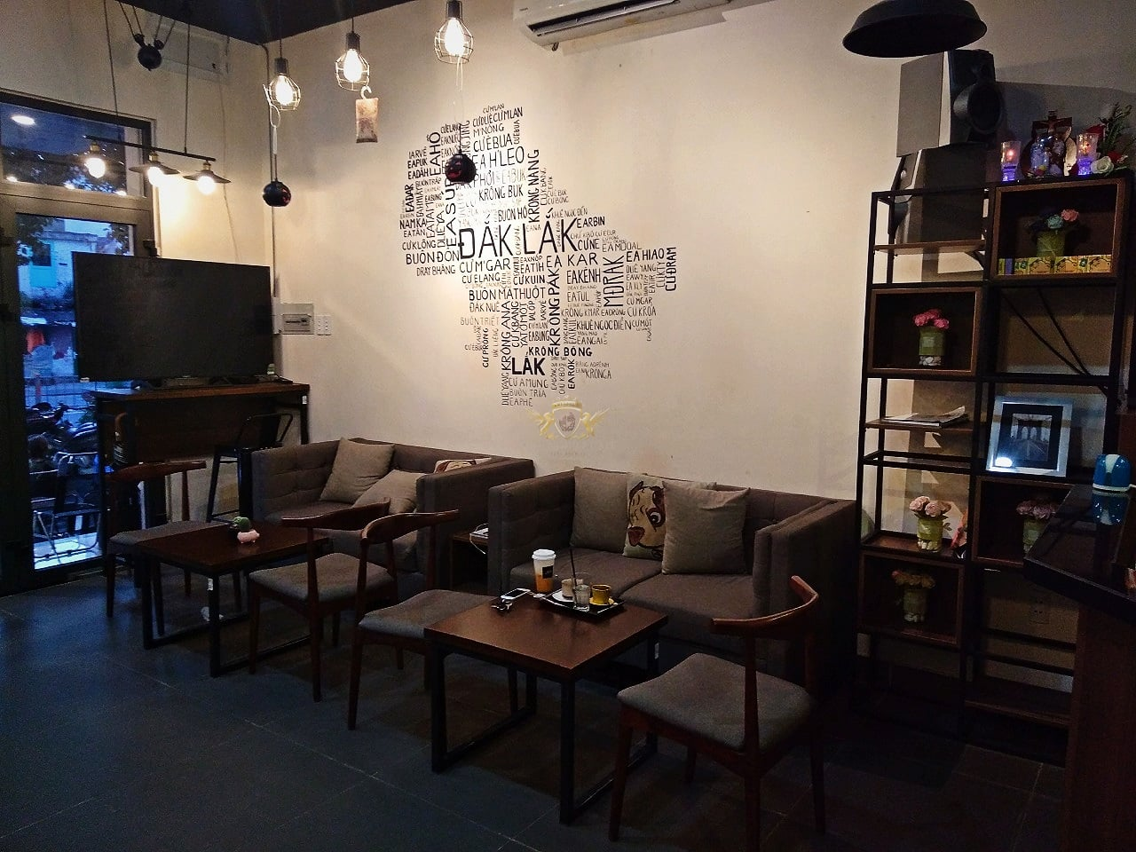 Dom Cafe Go Vap mua ban may pha cafe chuyen nghiep cua y Faema E98 RE A2 HC600 khoi nghiep cafe 20