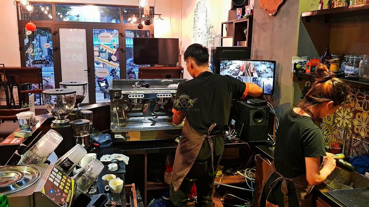 Dom Cafe Go Vap mua ban may pha cafe chuyen nghiep cua y Faema E98 RE A2 HC600 khoi nghiep cafe 7