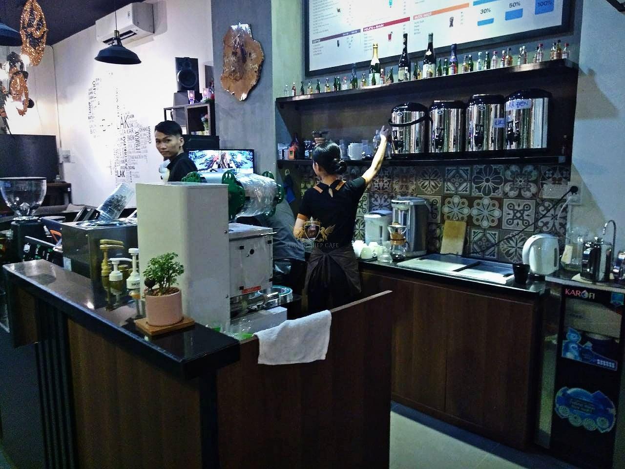 Dom Cafe Go Vap mua ban may pha cafe chuyen nghiep cua y Faema E98 RE A2 HC600 khoi nghiep cafe