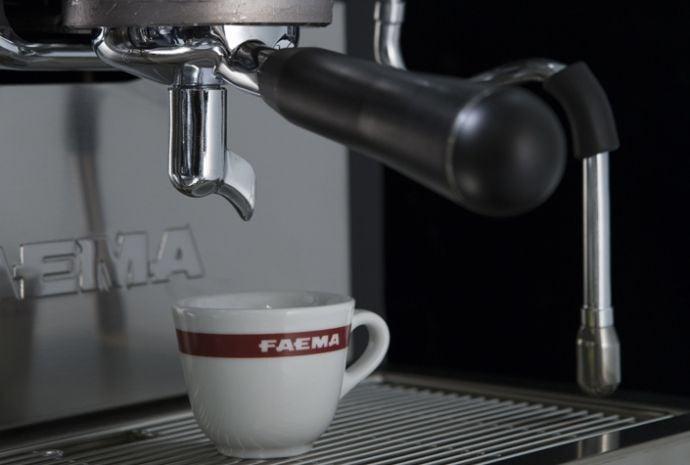 Máy pha ca phe espresso chuyên nghiệp Faema Enova A2 2