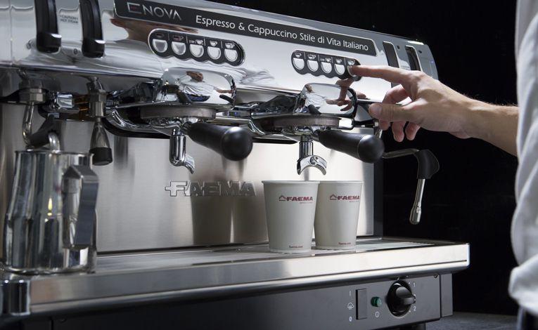 Máy pha ca phe espresso chuyên nghiệp Faema Enova A2