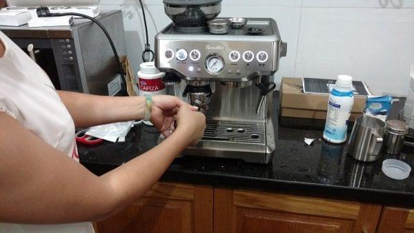 May pha cafe espresso breville 870XL khoi nghiep cafe mr le quan 7 hcm
