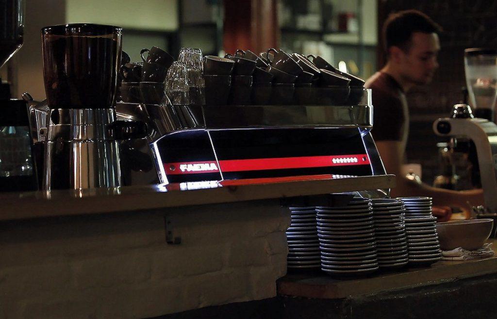 May pha cafe espresso chuyen nghiep italy faema e71 13