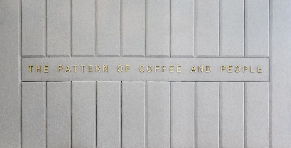 phia sau quay bar quan cafe houndstooth 8 thiet ke quan cafe dep
