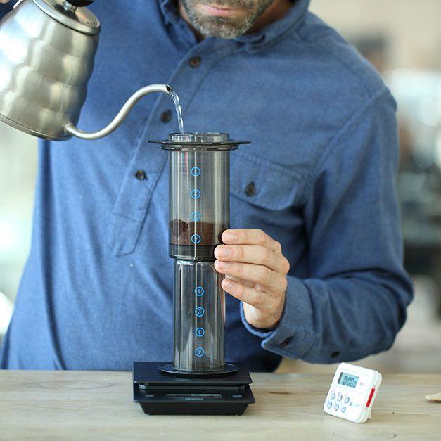 z[khoinghiepcafe.com] 9 Pha cà phê bằng bình AeroPress feature image