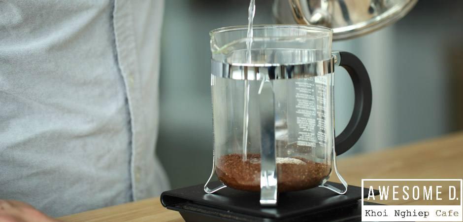 z[khoinghiepcafe.com] Pha cà phê bằng bình French Press 3